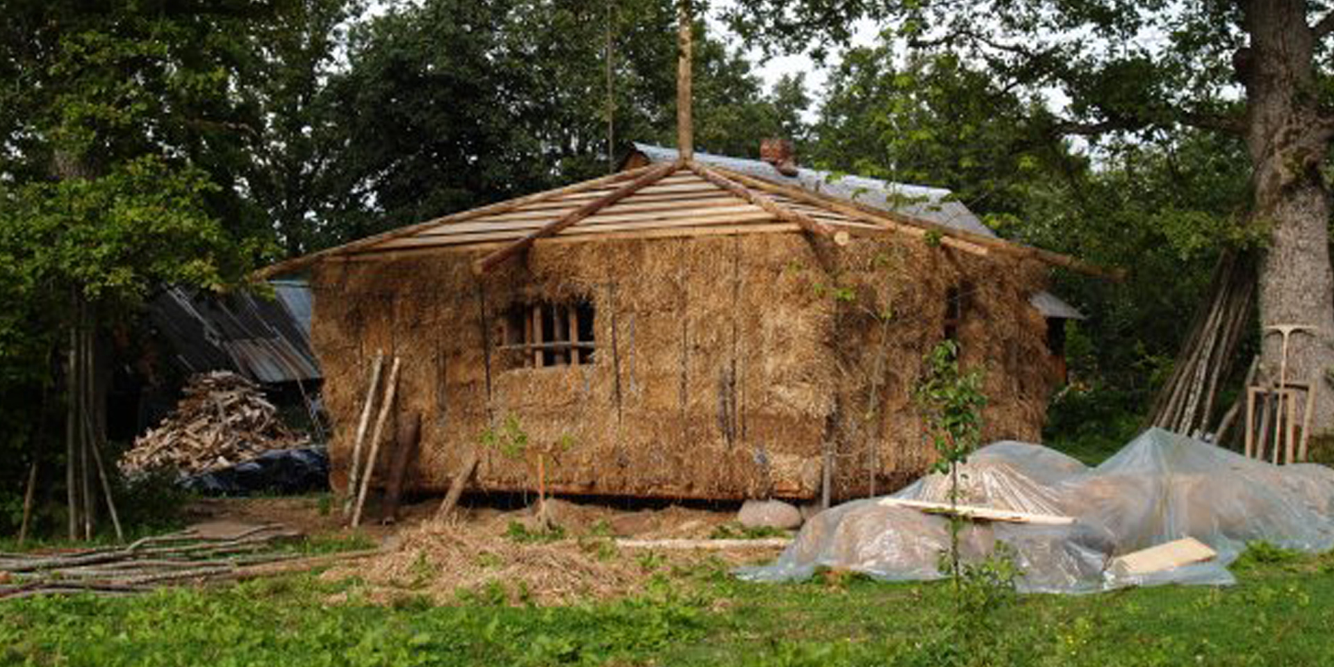 Strawbale-House-Hero-01